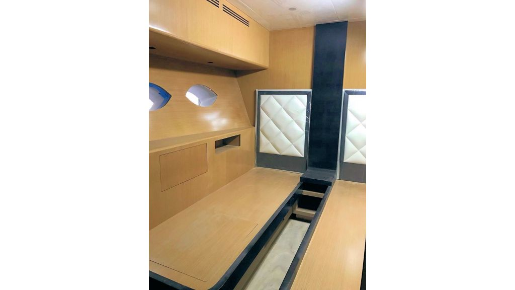 Epoxy Laminated Motoryacht (61)