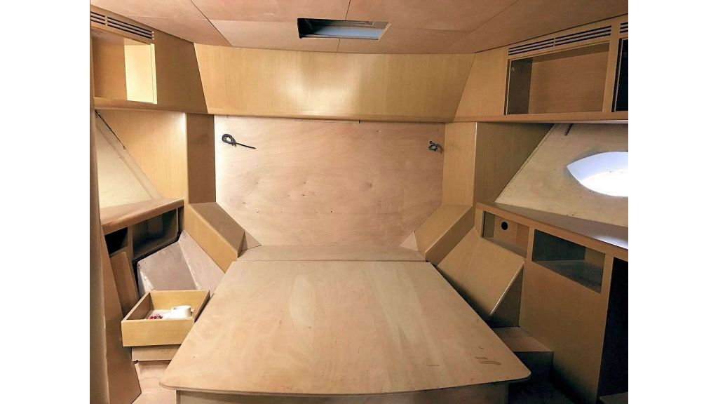Epoxy Laminated Motoryacht (70)