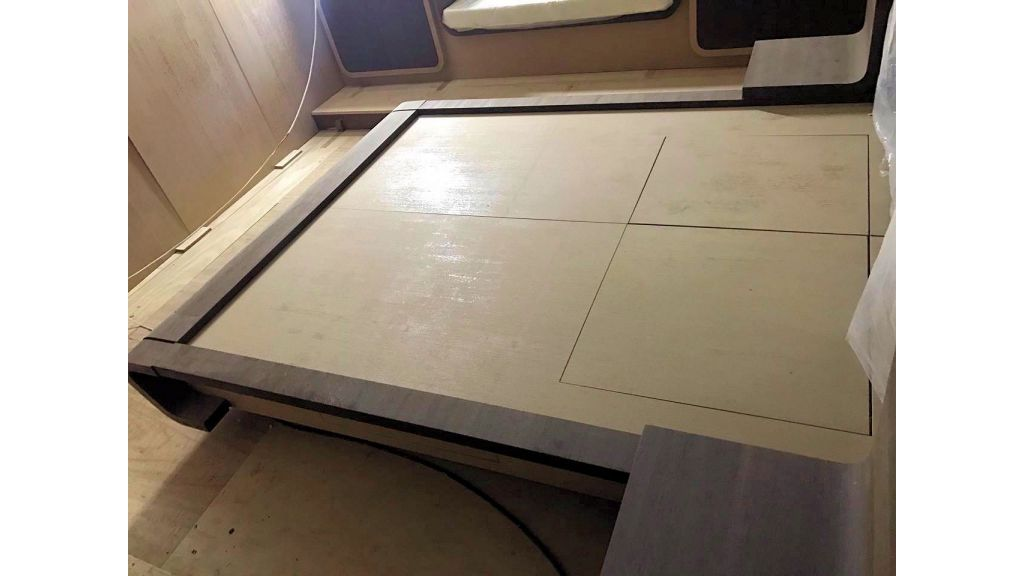 Epoxy Laminated Motoryacht (72)