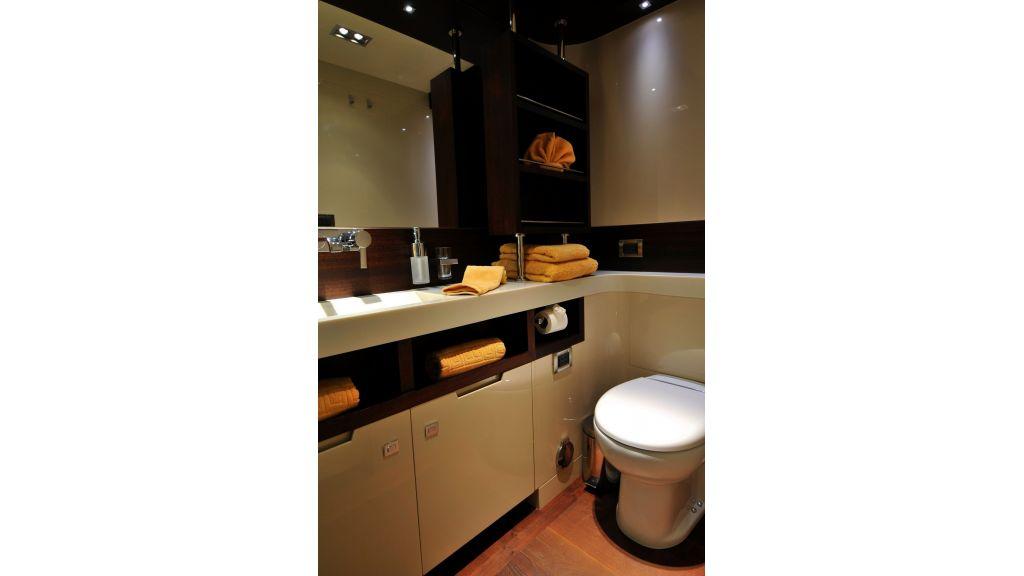 Meya Meya Guest bathroom