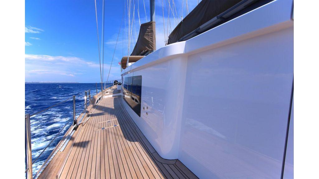 Steel Aluminium Sailing Yacht (10)