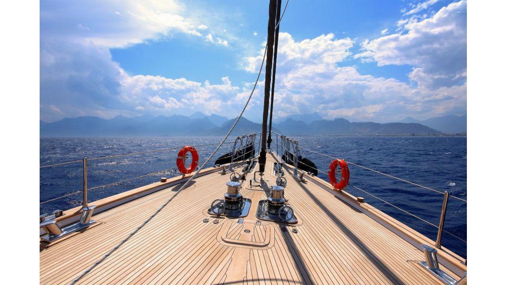 Steel Aluminium Sailing Yacht (11)