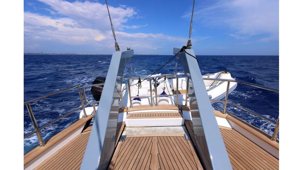 Steel Aluminium Sailing Yacht (12)