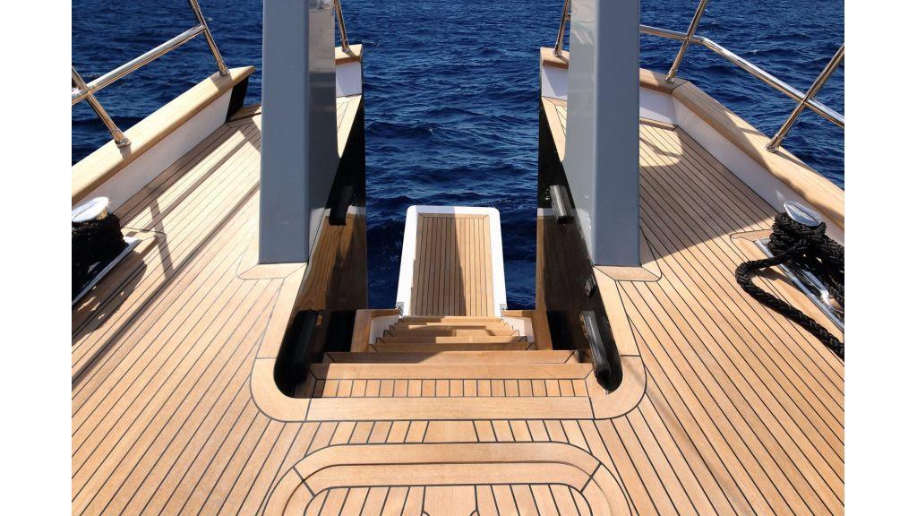Steel Aluminium Sailing Yacht (13)