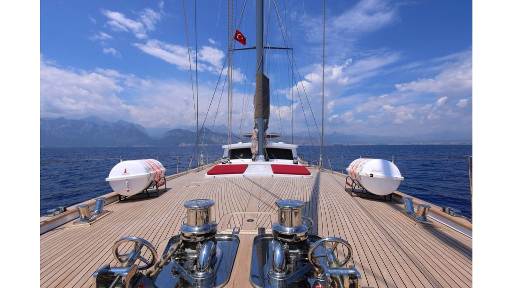 Steel Aluminium Sailing Yacht (15)