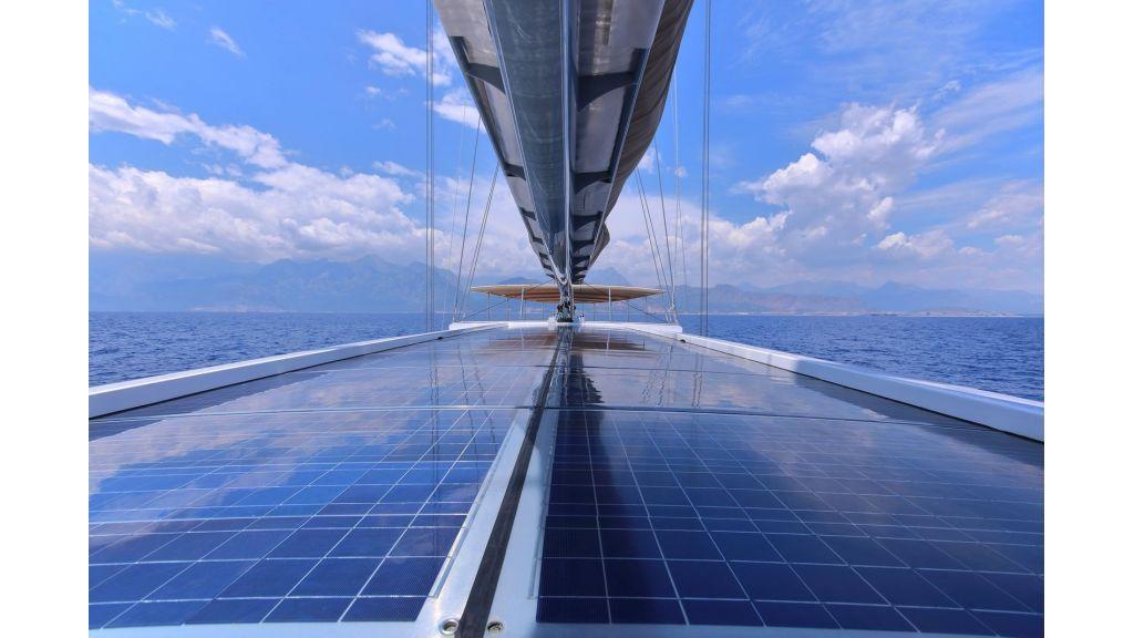 Steel Aluminium Sailing Yacht (17)