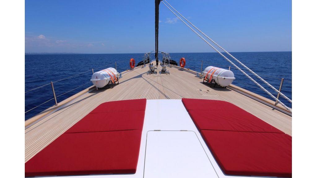 Steel Aluminium Sailing Yacht (18)