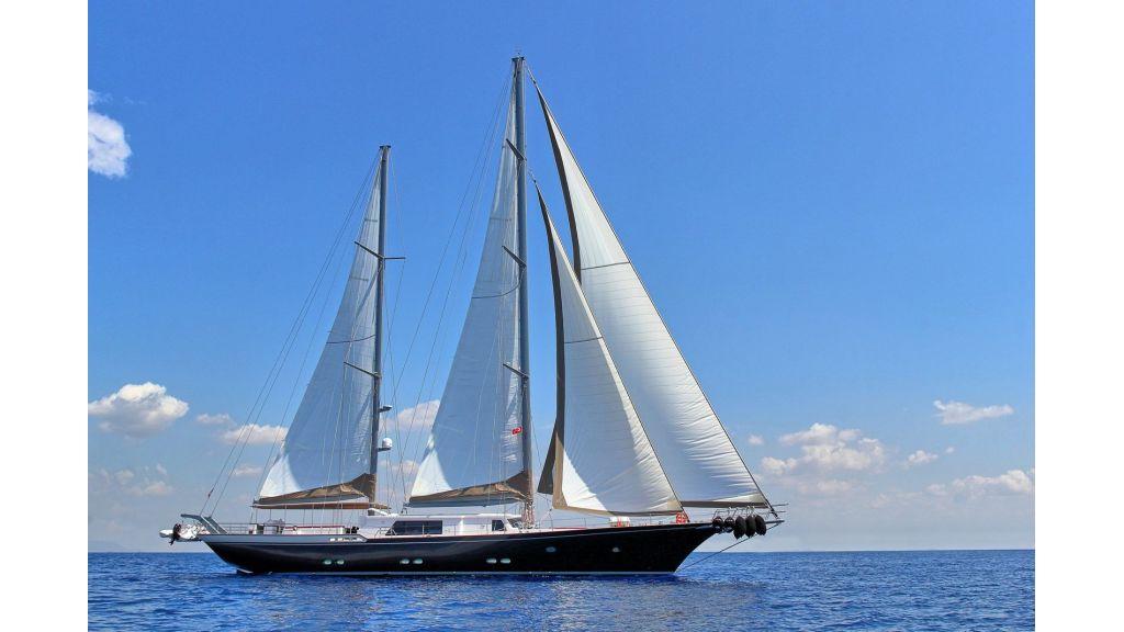 Steel Aluminium Sailing Yacht (2)