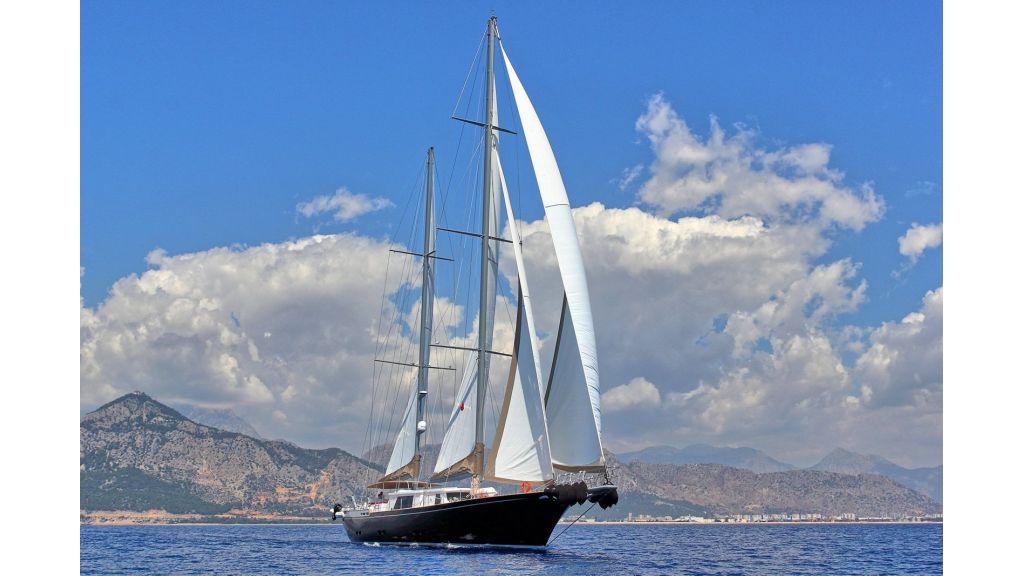 Steel Aluminium Sailing Yacht (4)