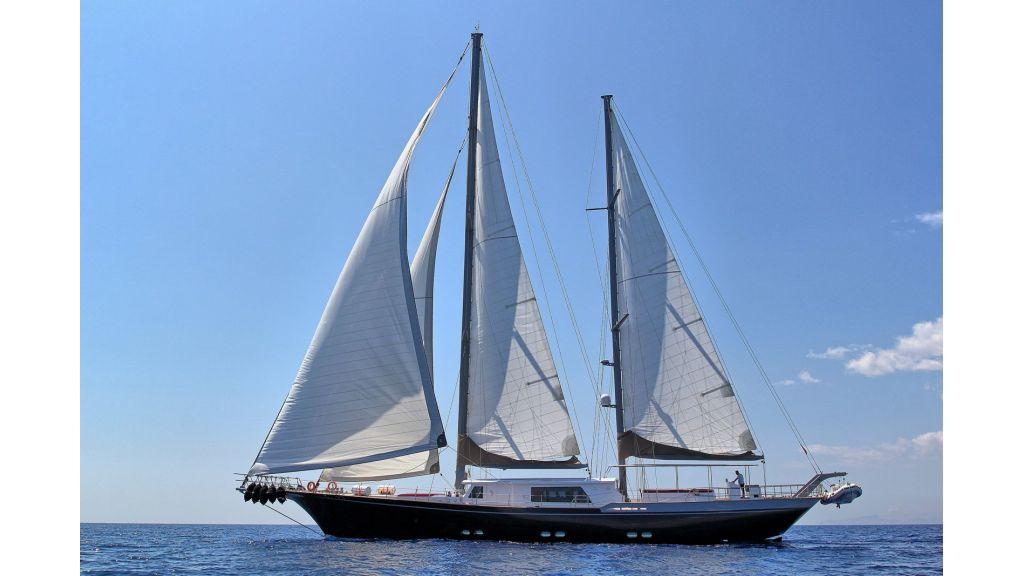 Steel Aluminium Sailing Yacht (6)