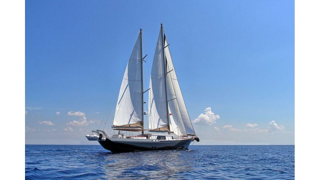 Steel Aluminium Sailing Yacht (7)