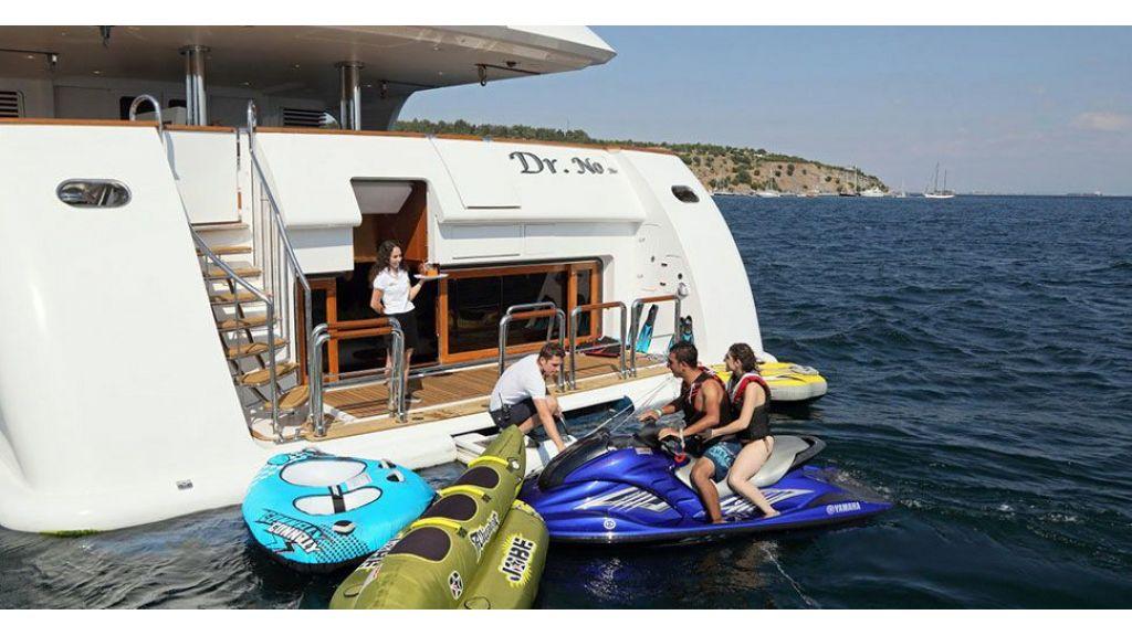 Dr no no Motor Yacht (16)