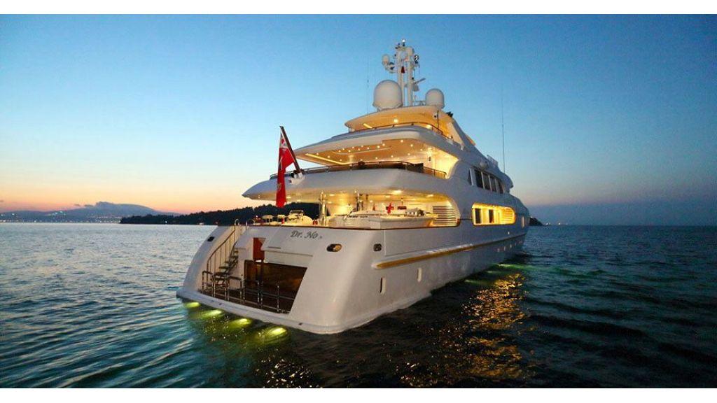 Dr no no Motor Yacht (5)