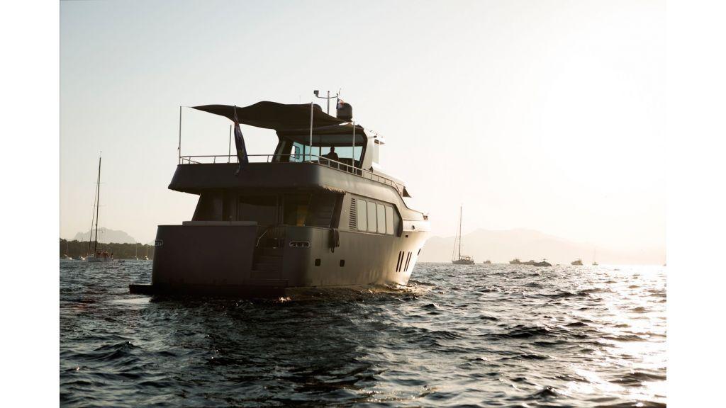 Trawler Style Motor Yacht (10)