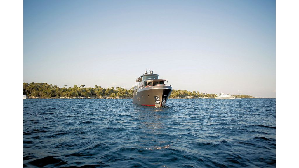 Trawler Style Motor Yacht (13)