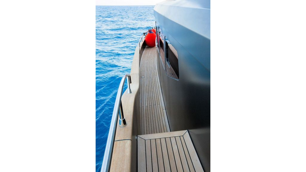Trawler Style Motor Yacht (15)
