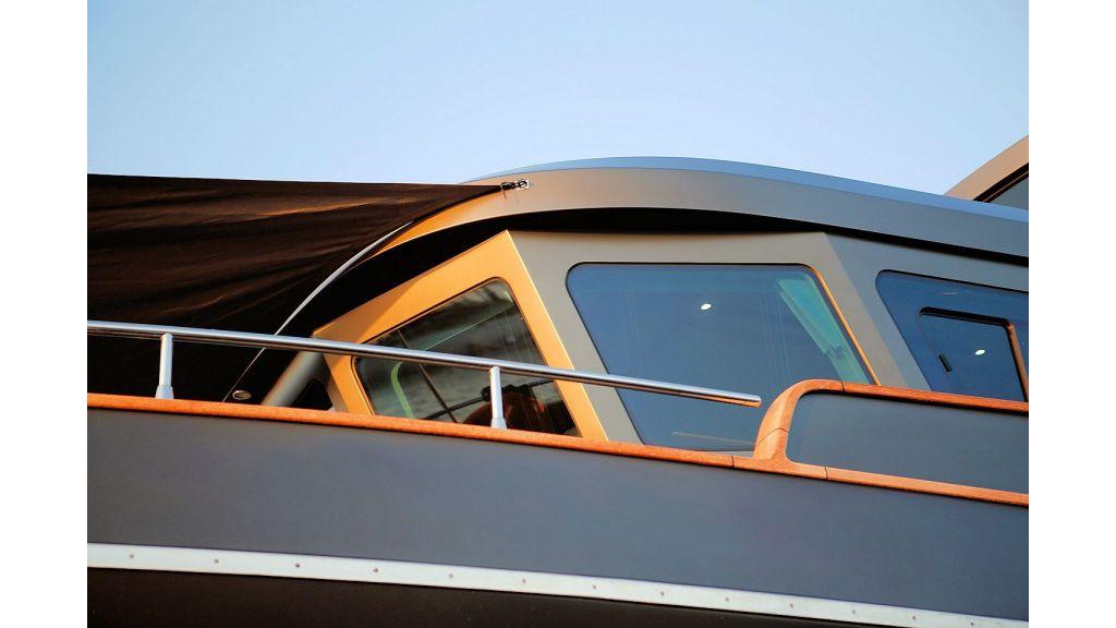 Trawler Style Motor Yacht (17)