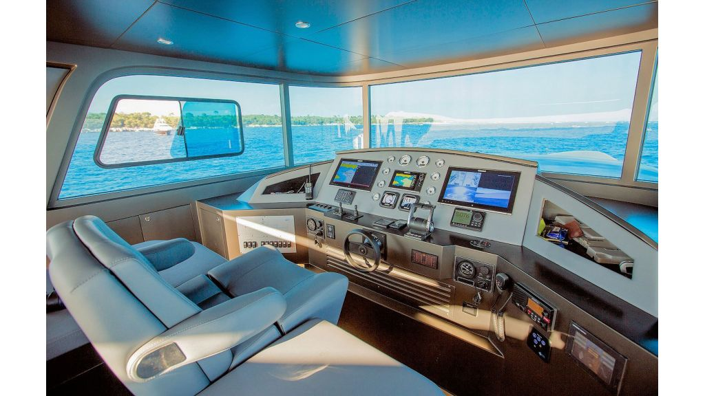 Trawler Style Motor Yacht (27)