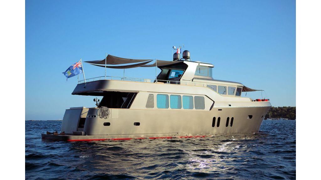 Trawler Style Motor Yacht (3) - master