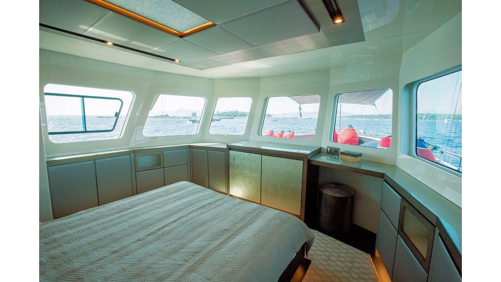Trawler Style Motor Yacht (34)