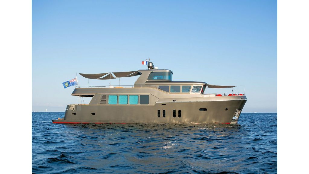 Trawler Style Motor Yacht (5)