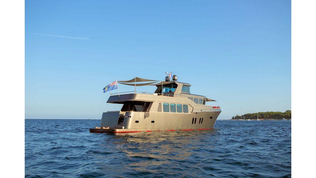 Trawler Style Motor Yacht (7)