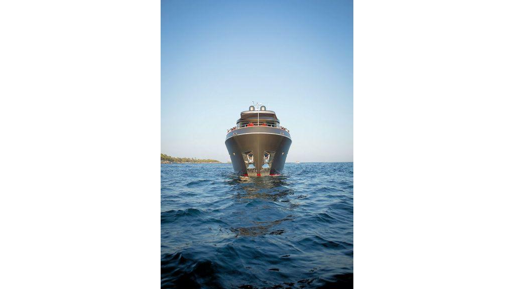Trawler Style Motor Yacht (9)