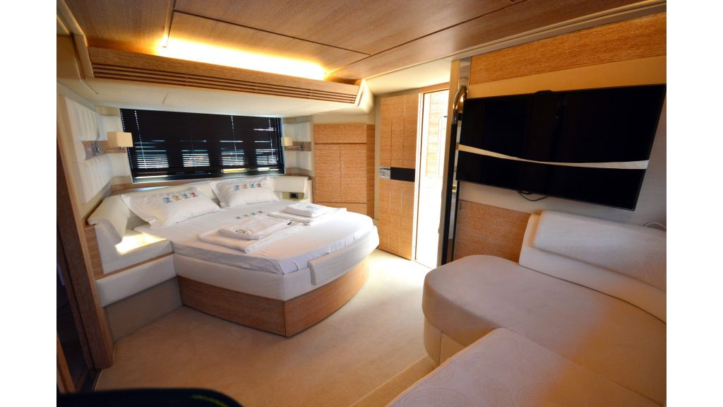 Azimut-64 for charter (11)