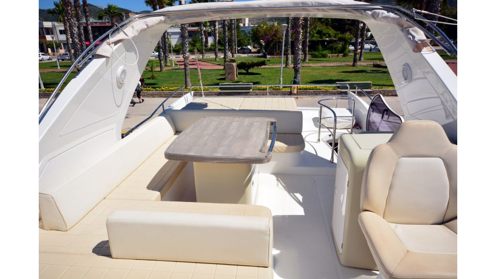 Azimut-64 for charter (22)