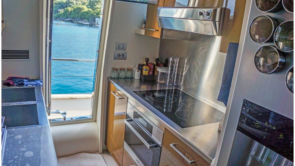 Sanlorenzo 72ft for charter (10)
