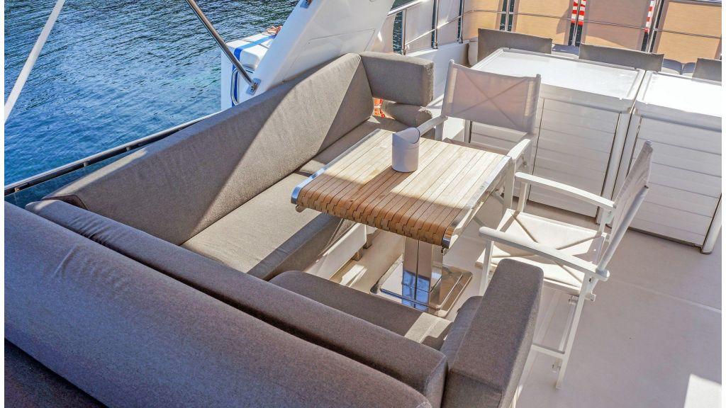 Sanlorenzo 72ft for charter (16)
