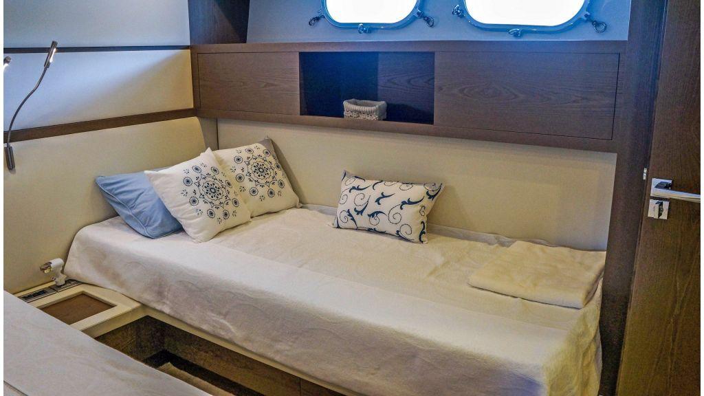 Sanlorenzo 72ft for charter (2)