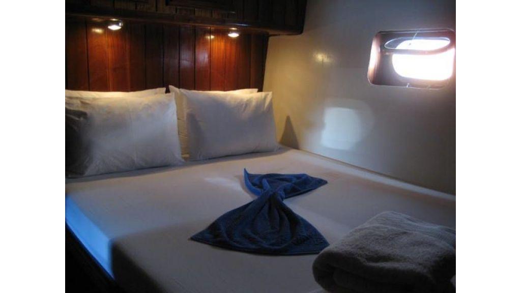 6 Cabin Schooner (2)