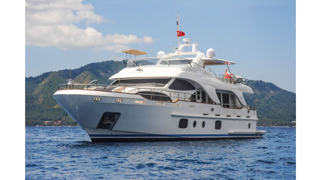 Yacht REBECCA V presented by YPI