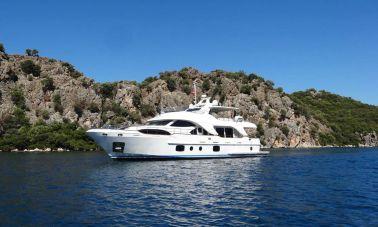 Yacht REBECCA V presented by YPI