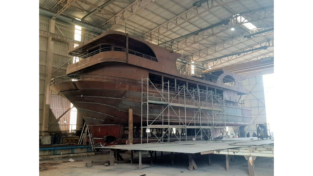 Semi Submarine Construction (3)