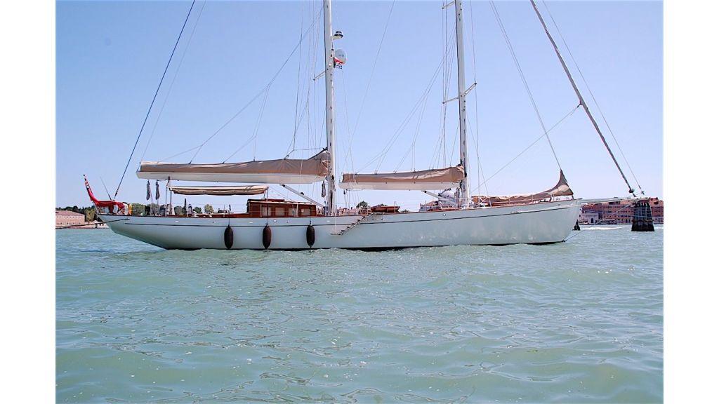 Shindela Sailing Yacht (12)
