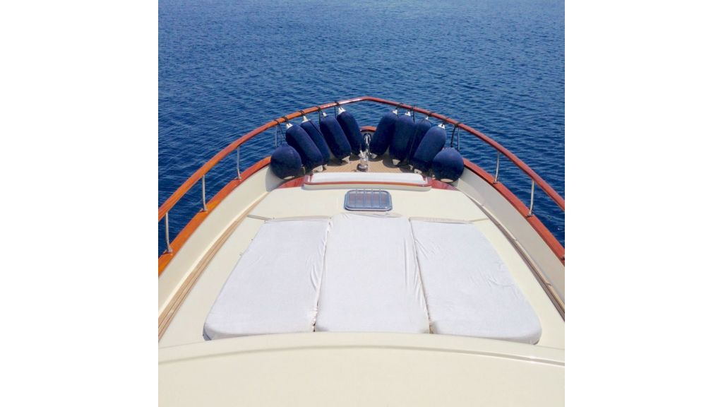 Trawler for sale (3)