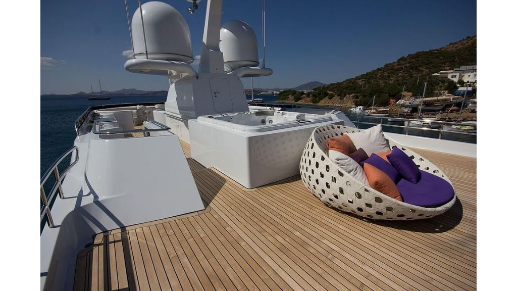 38m Motor Yacht (30)
