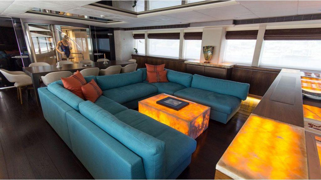 38m Motor Yacht (33)