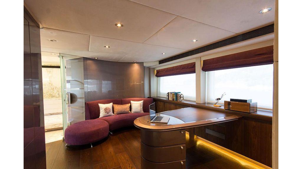 38m Motor Yacht (4)