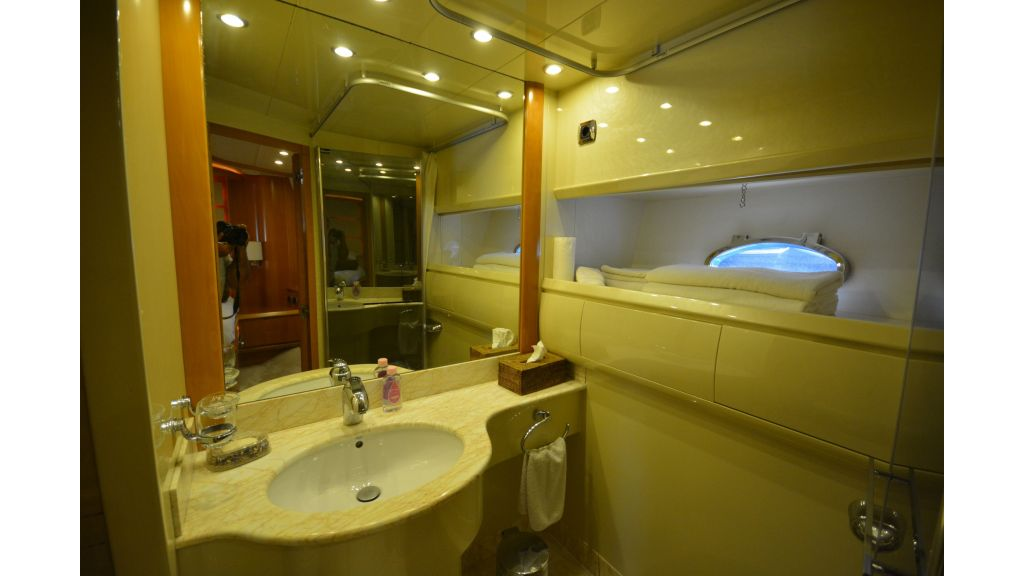 Astondoa 72 For Sale (10)
