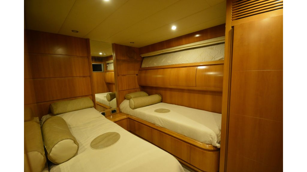 Astondoa 72 For Sale (18)
