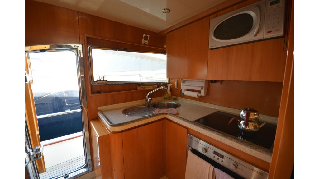 Astondoa 72 For Sale (2)