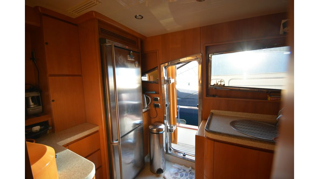 Astondoa 72 For Sale (3)