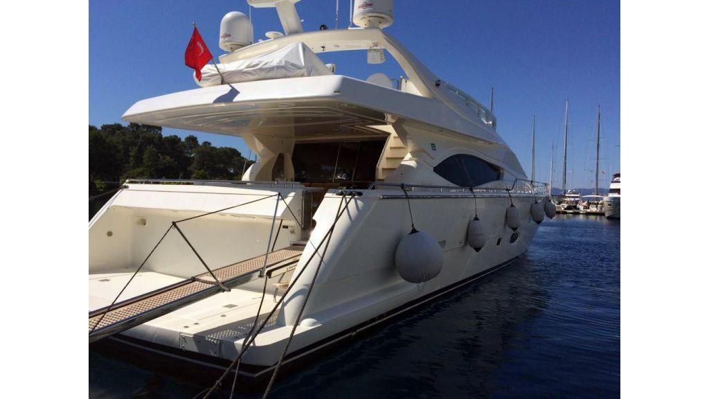 Ferretti-760 motoryacht (10)