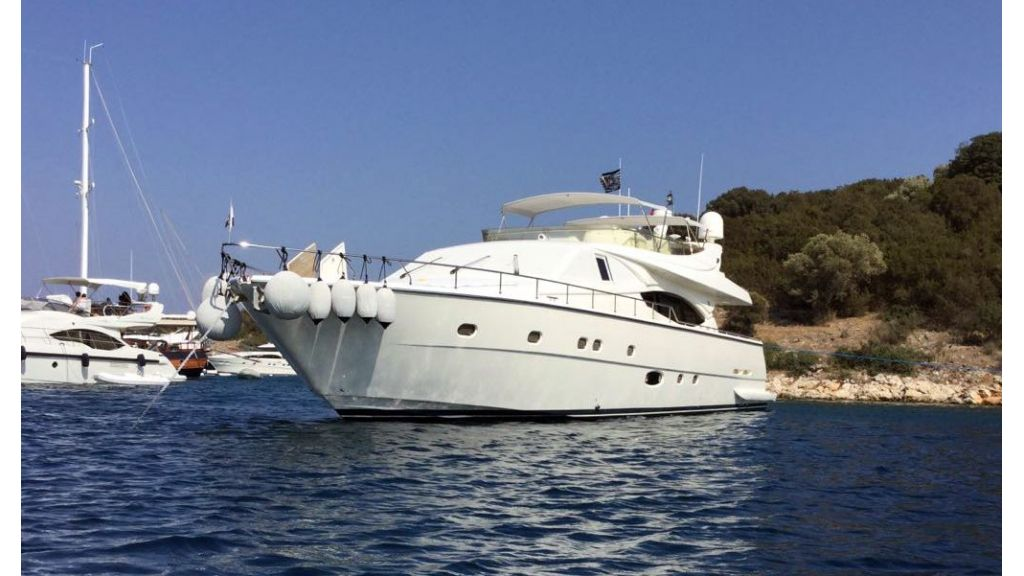 Ferretti-760 motoryacht (16)