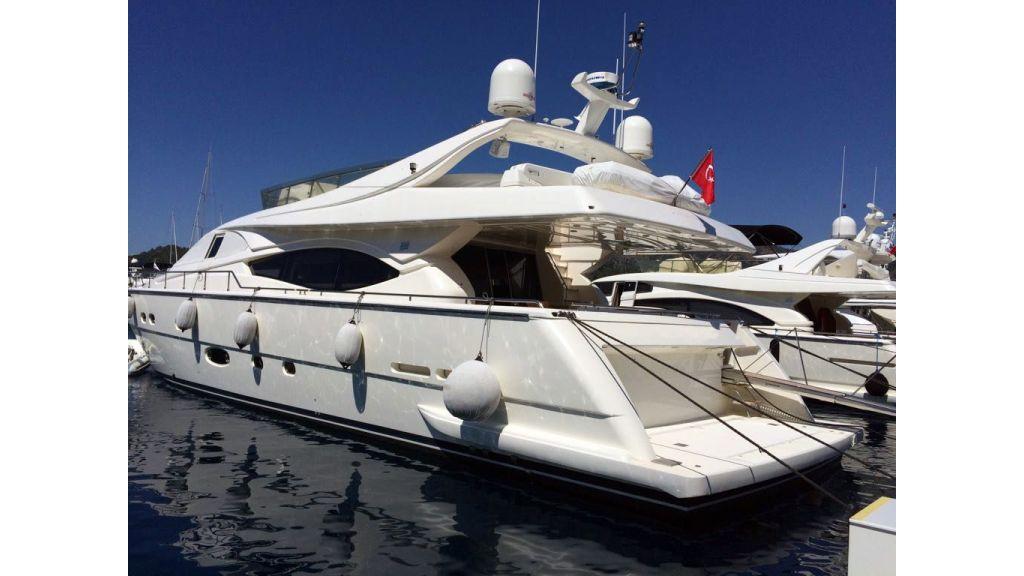Ferretti-760 motoryacht (27)