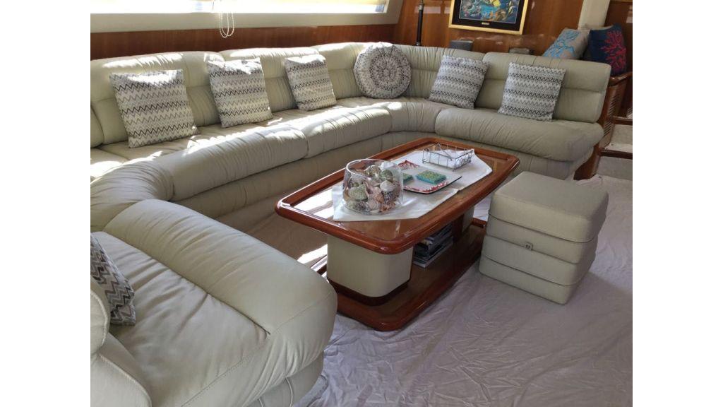 Ferretti-760 motoryacht (37)