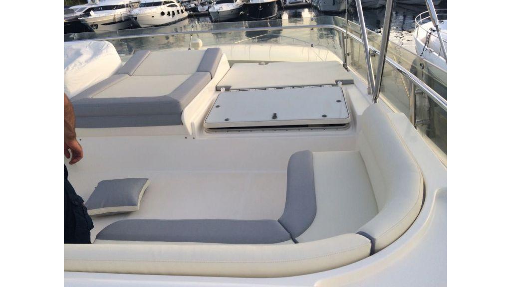 Ferretti-760 motoryacht (40)